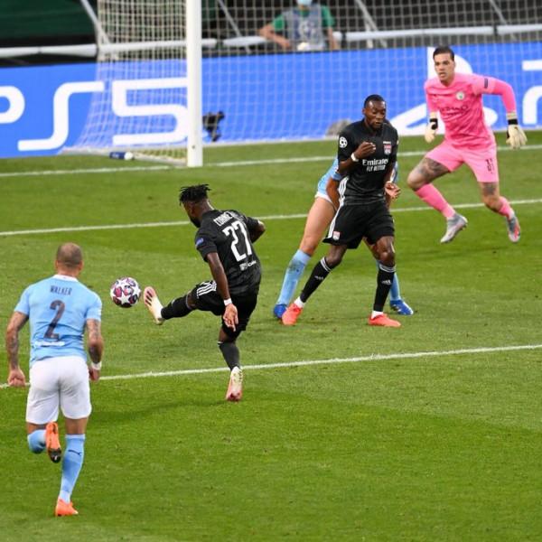 Lyon me befasinë e radhës, arrin gj'finalen pas një dekade