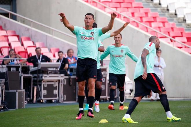 Cristiano e Buffon pranë rekordit