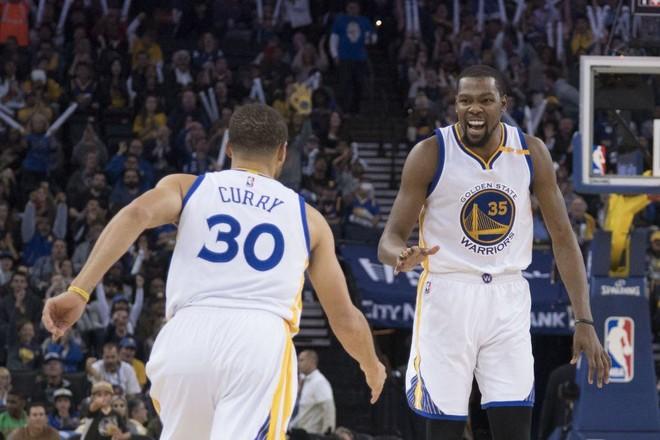 Warriors përsëri në krye, orari dhe skema e play-offit