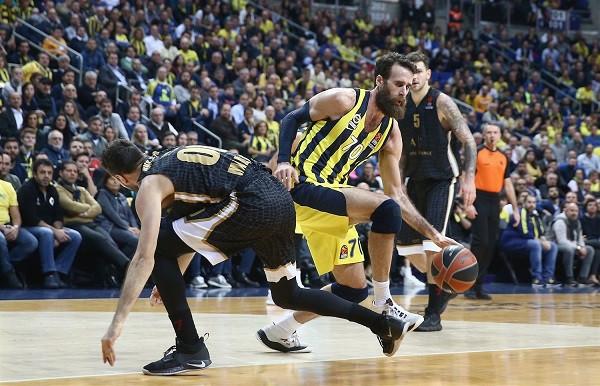 Fenerbahçe rreshton fitoret