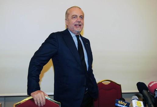 Napoli refuzoi ofertën 100 milionëshe të Unitedit