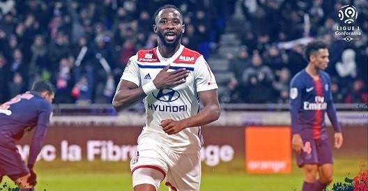 Lyon fiton derbin, me përmbysje ndaj PSG