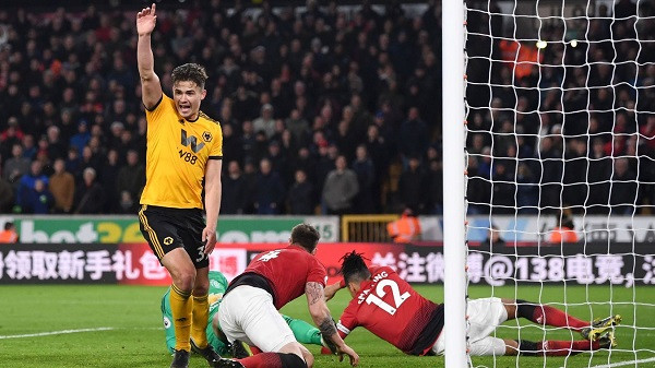Wolves i guximshëm, United rrezikon TOP 4shen