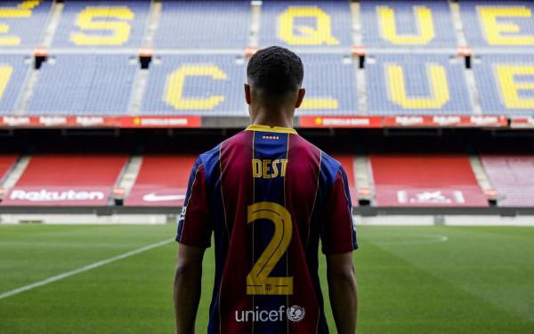 Barcelona zyrtarizon talentin e Ajaxit