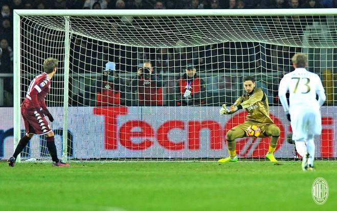 Milan mbetet pa Donnarumman!!!