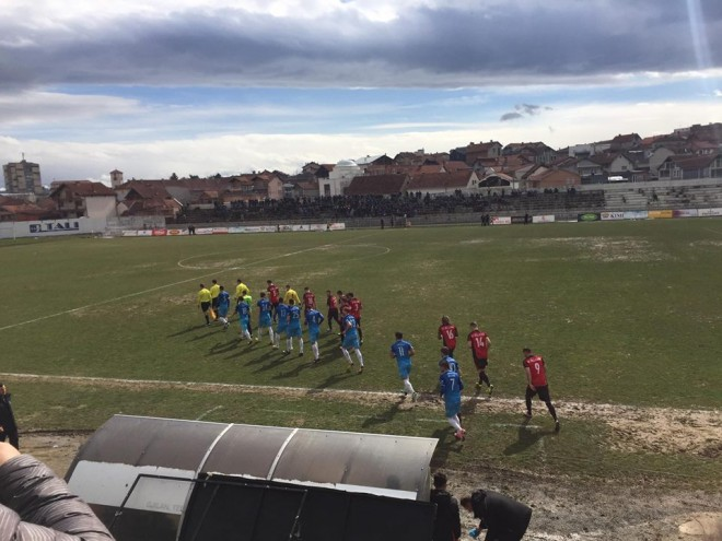 Penalltitë vendosin, Vëllaznimi në gjysmëfinale