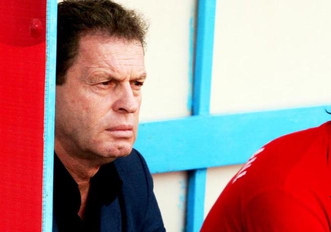Pas disfatës nga Skënderbeu, dorëhiqet trajneri