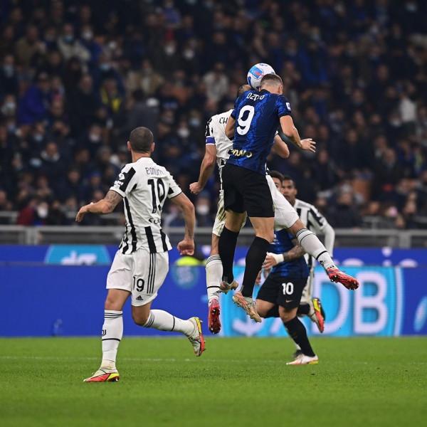 Dybala në fund neutralizon derbi d'Italian