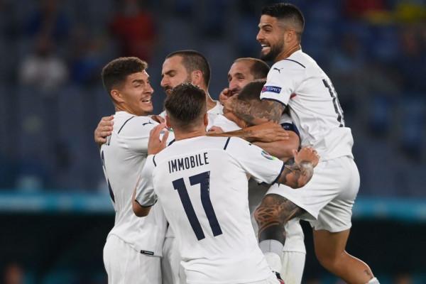 Italia demolon Turqinë në hapje të EURO 2020