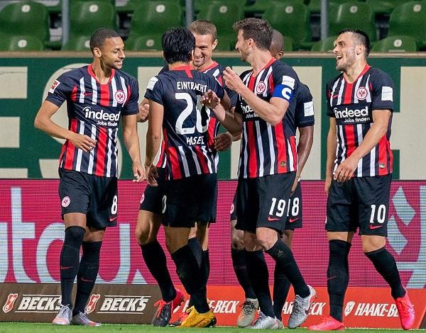 Eintrachti ktheu Werderin te humbjet, Rashica 30min në lojë