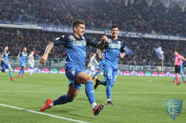 Dueli shqip në Itali, afron Juven te titulli