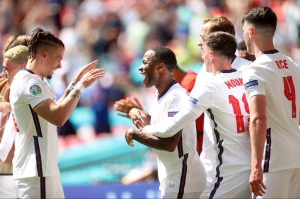 Anglia fiton derbin e grupit D