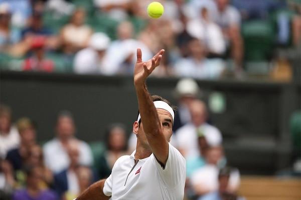 Roger Federer i pari në histori që arrin 350-shen