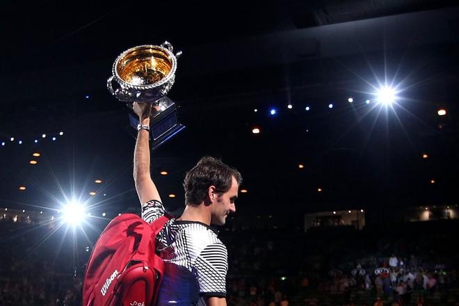 Federer i kthehet TOP 10-shes