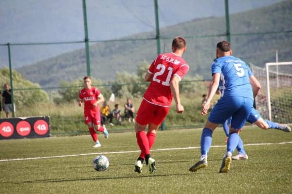 Gjilani ndanë rrugët me dy futbollistë