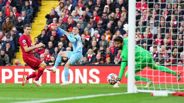 City kthehet dy herë për të siguruar pikë ndaj Liverpoolit