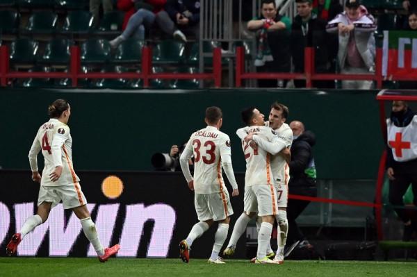 Galatasarayi lider me fitore si mysafir