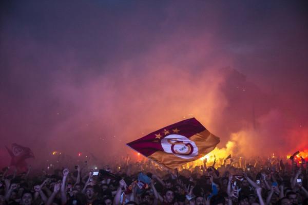 Galatasaray mposht rivalin direkt, fiton titullin kampion!