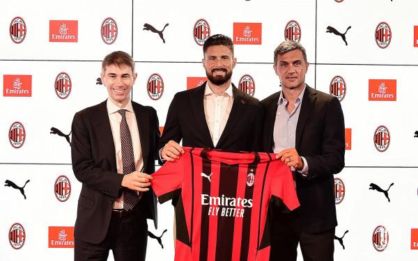 Giroud në Milan, kompletohet transferi