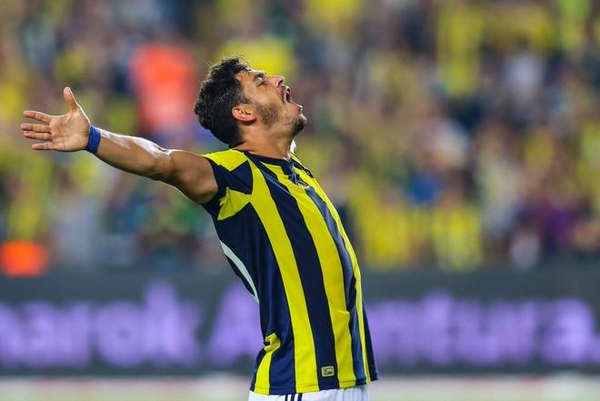 Përjashtime e tensione, Feneri fiton derbin e Stambollit