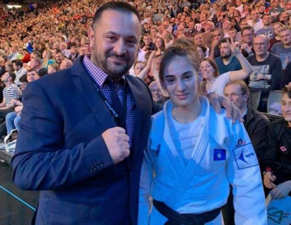 Edhe Nora Gjakova sjell medalje për Kosovën nga Parisi
