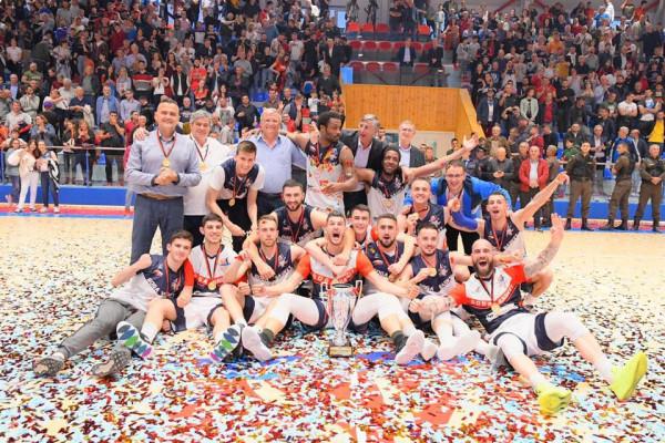 Goga Basket kampione e Shqipërisë