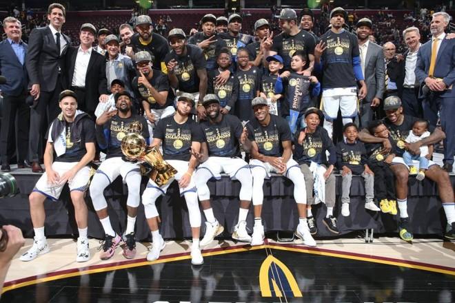 Curry 37p, Durant rekord asistesh - Warriors kampion