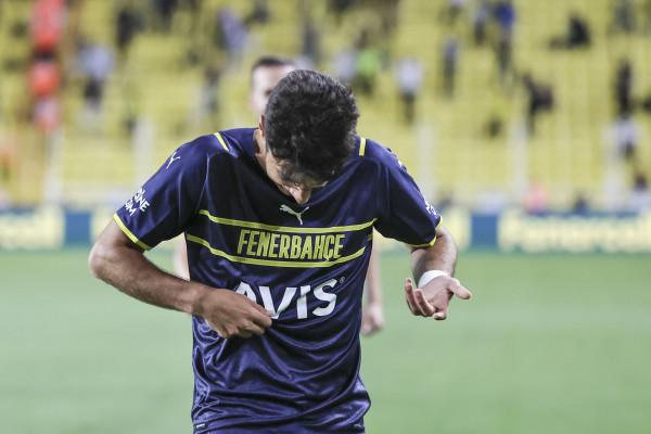 Pa logo! Futbollisti i Fenerbahçes 'djeg' internetin