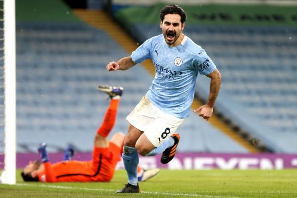 City briliant, lehtë ndaj Tottenhamit