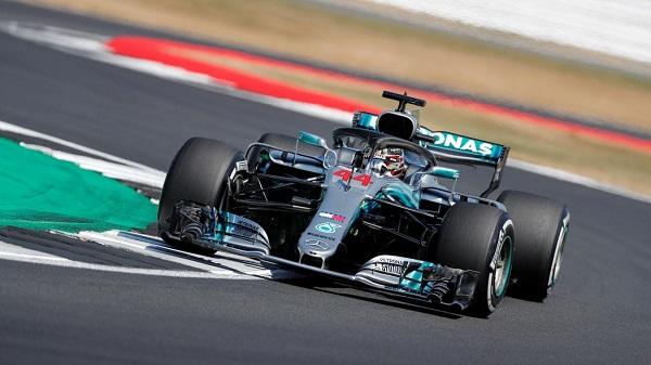 Hamilton në tentimin e fundit, arrin pole-positionin
