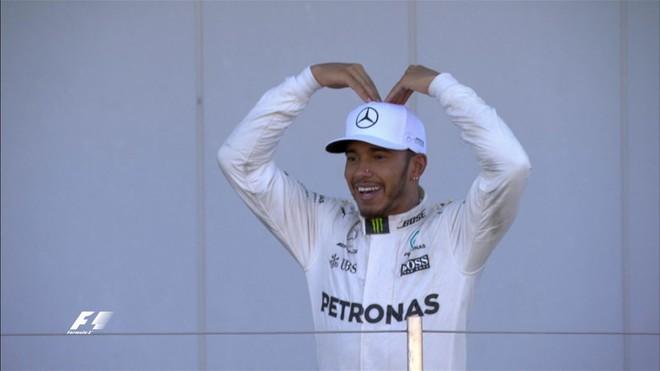 Hamilton fiton dhe ngrit epërsinë, Vettel me probleme