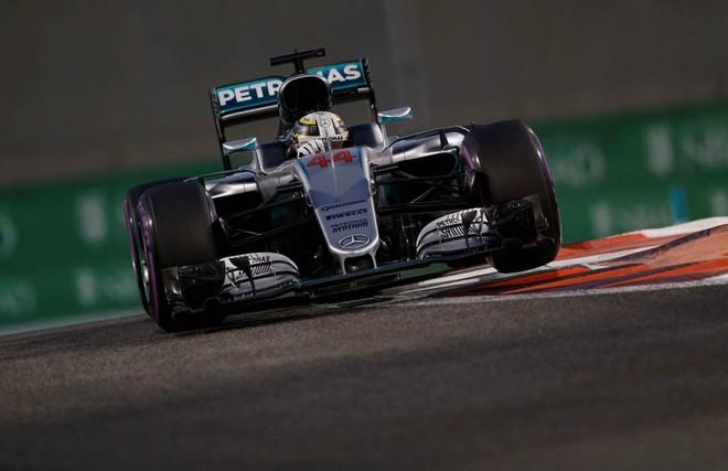 Hamilton thyen rekordin e Schumacherit