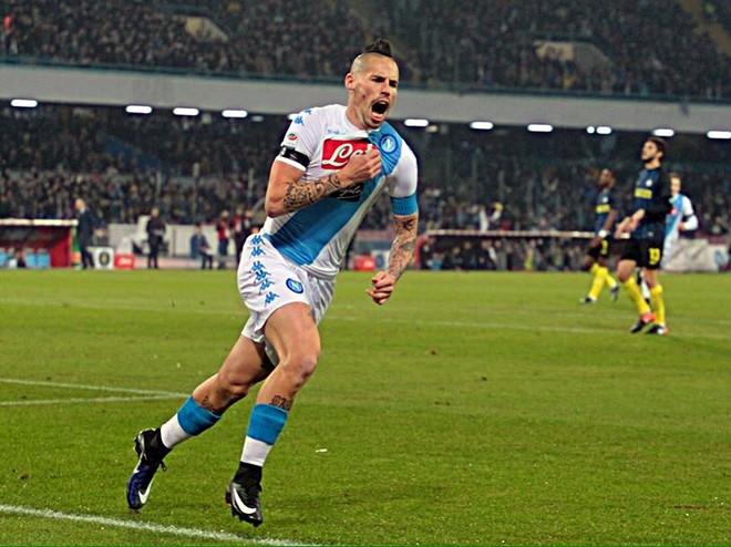 Hysaj e Napoli gjunjëzojnë Interin