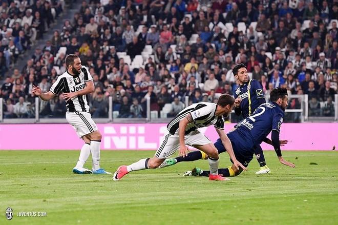 Juventus kërcënon Barcelonën