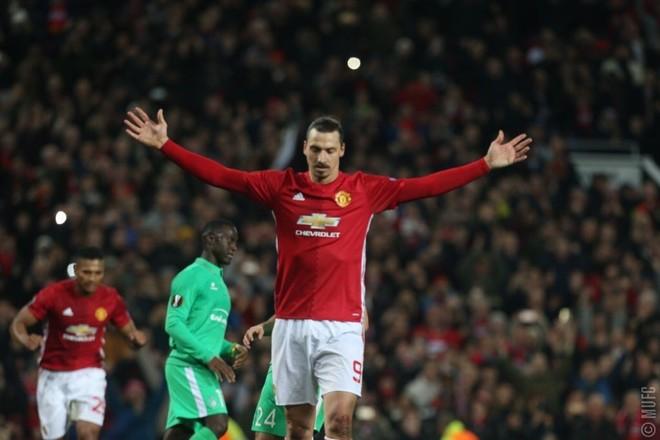 Super Zlatan, United afër kualifikimit