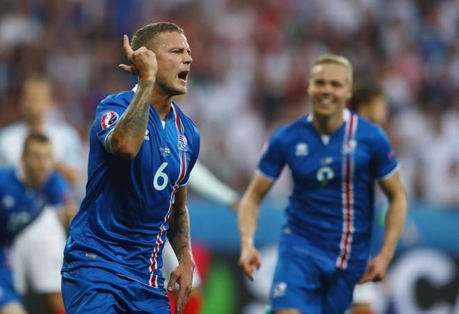 Islanda fiton me përmbysje