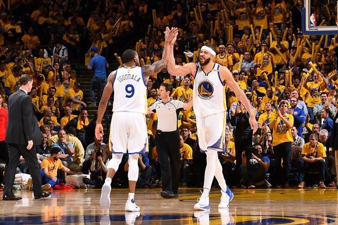 Warriors pa Durantin, i tepërt për Blazers
