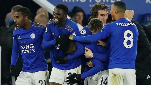 Leicester fiton në kohën shtesë, e gjashta me radhë