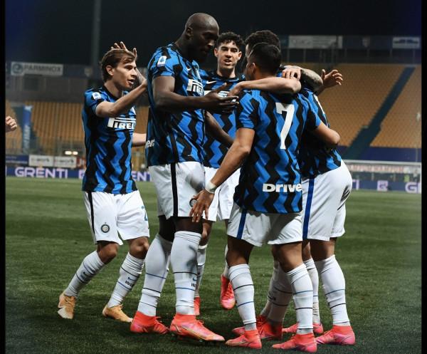 Alexis-Lukaku çojnë Interin +10 nga kampioni, +6 nga rivali lokal