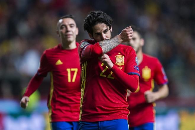 Spanja deklason Italinë, kryeson e vetme