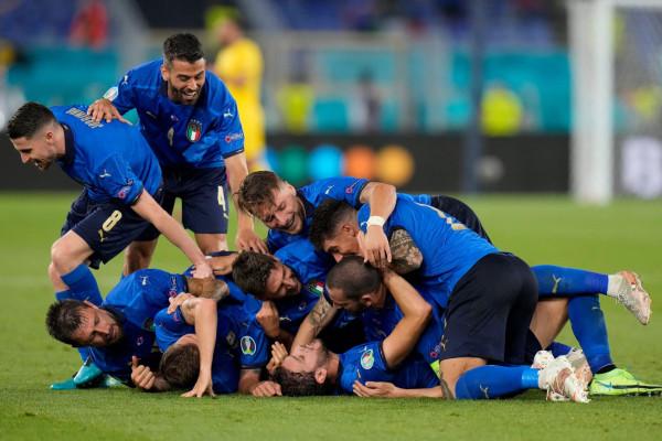 Me 3-shen e radhës, Italia kualifikohet në 1/8 e finales
