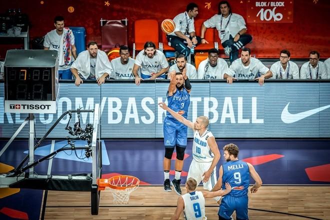 Italia në çerekfinale, eliminon Finlandën