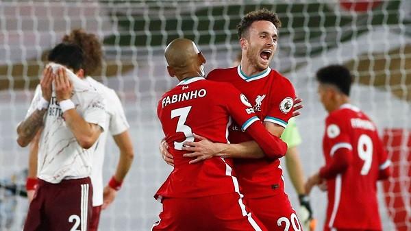 Kampioni perfekt përmbys Arsenalin, Jota debuton me gol