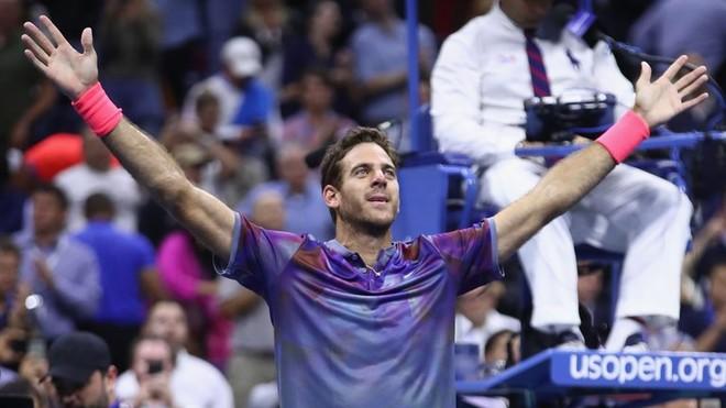 Del Potro befason Federerin, kalon në gjysmëfinale