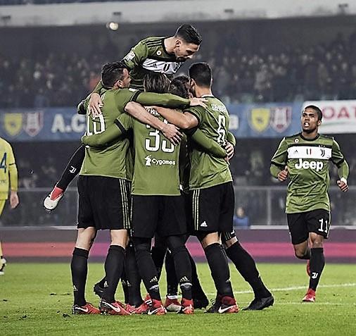 Chievo me 9 lojtarë, Juve lider