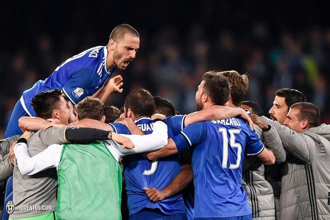 Përkundër humbjes, Juventusi kalon në finale