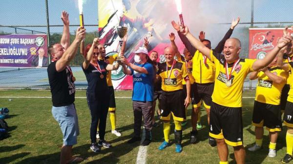 Veteranët e KF Kabashi fitojnë trofe në Turqi