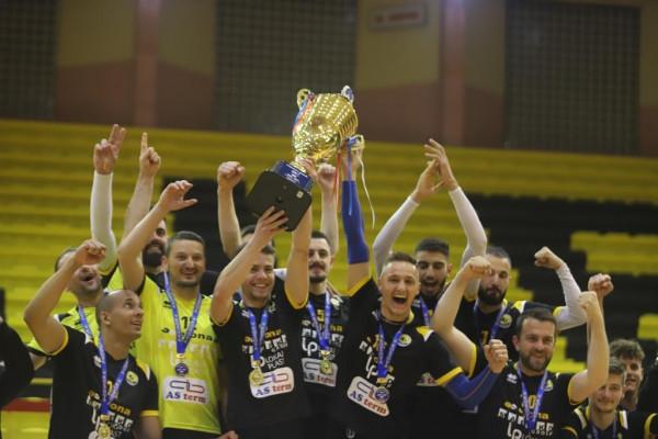 KV Peja, kampione e Kosovës në volejboll!