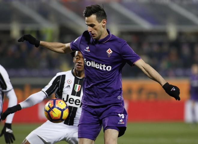 Fiorentina mposht Juven, nxehet lufta në Serie A