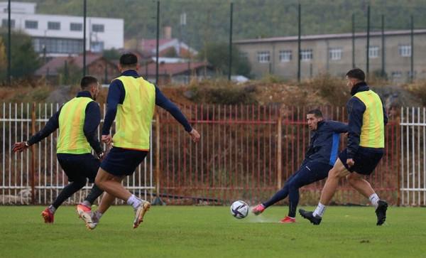 Në shi, nisin stërvitjet për duel ndaj Gjeorgjisë